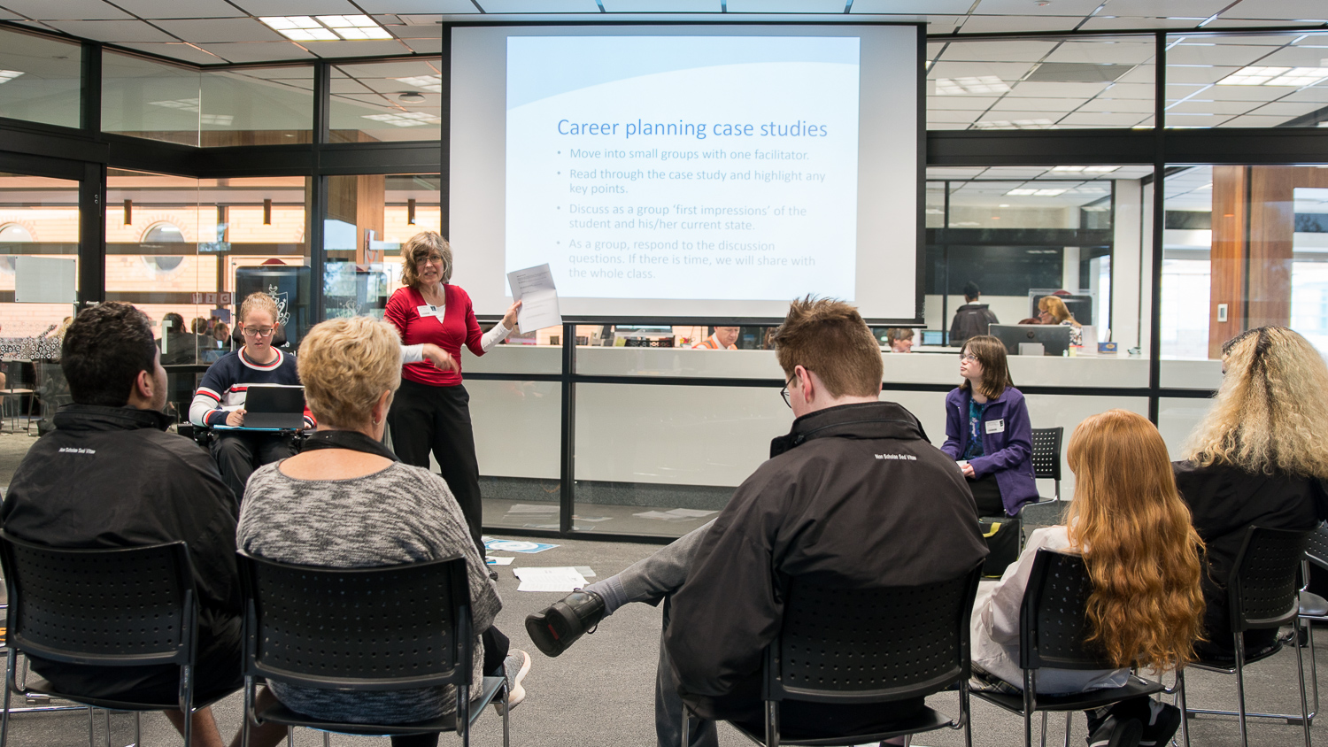 Students discuss career planning case studies